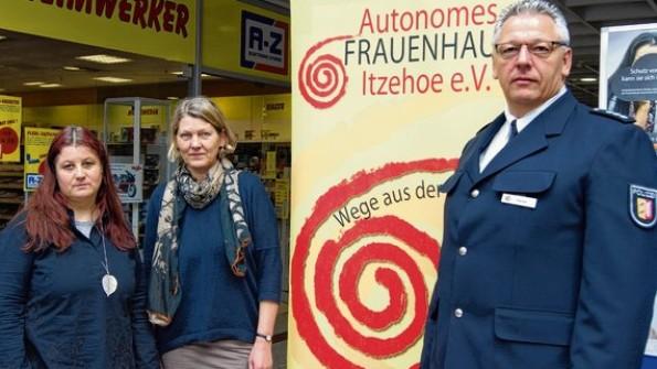 Informierten (v. l.): Sabine Bahlo, Heike Siemssen-Bielenberg und Hans-Werner Heise.(Quelle: www.shz.de)